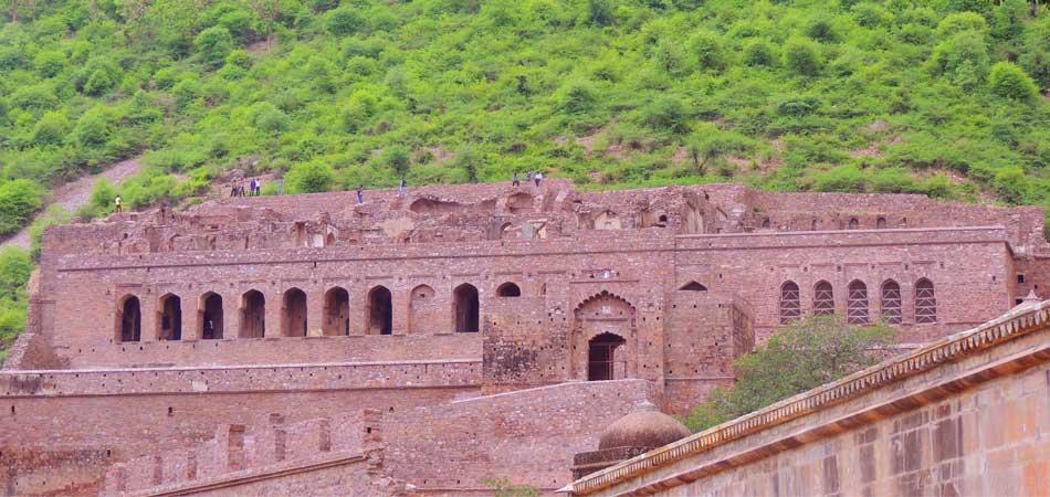 Rustik_Travel Living_it_up_at_Magnificent_Jaipur_Bhangarh_Palace